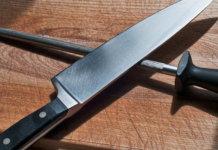 آموزش تیز کردن چاقو در خانه www.howcanu.com