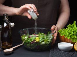 چگونه مصرف نمک را کاهش دهیم؟